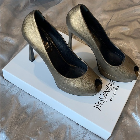 c2a23e82 Yves Saint Laurent PALAIS 80 OPEN PUMP 37+